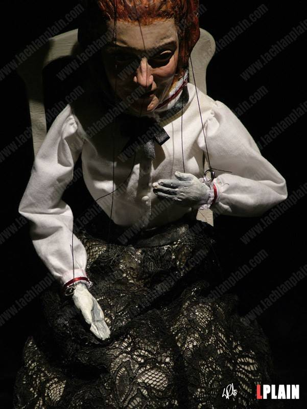 11-daughter-marionette-close-up-small.jpg
